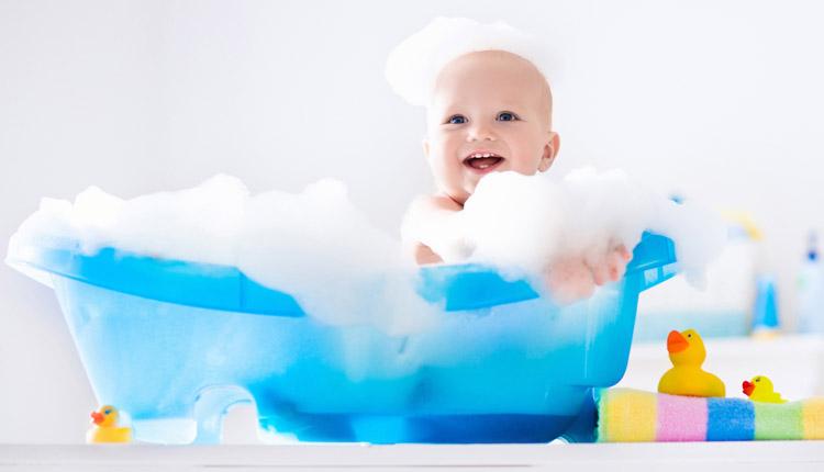 بهترین روش برای تمیز نگه داشتن لباس کودک شما چیست تا پوست حساس آن ها تحریک نشود؟